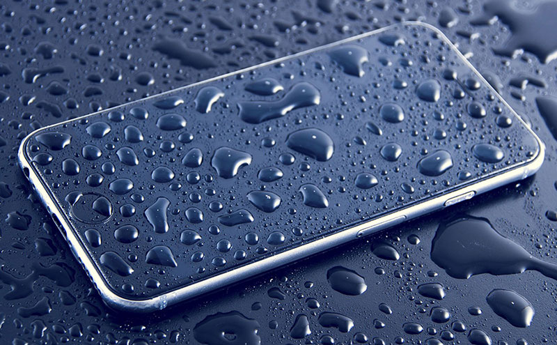 Apple-iPhone-7-Waterproof