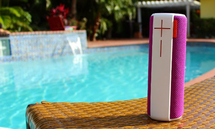 Waterproof-bluetooth-speaker